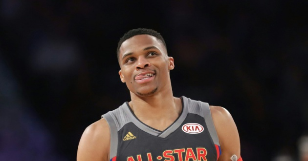 Russell Westbrook sigue al frente de la anotación en la NBA